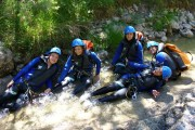 b_180_0_16777215_00_images_photos_groupes_scolaires_canyoning.jpg